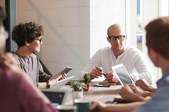 tech-startup-team-meet-up